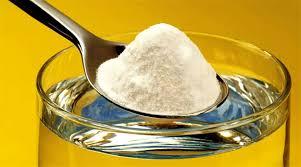 Bicarbonatul de sodiu combinat cu sarea de bucătărie îți curăță aragazul