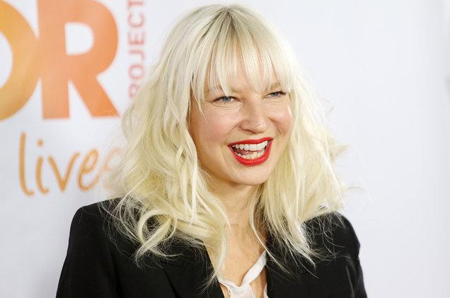 Cântăreața Sia suferă de o boală foarte rară