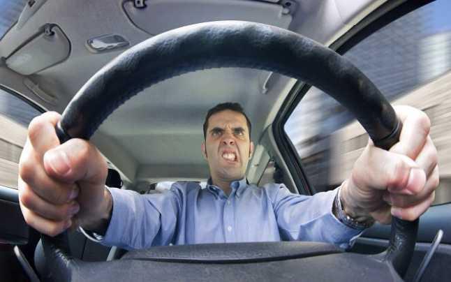 Cât mai costă un permis auto fals