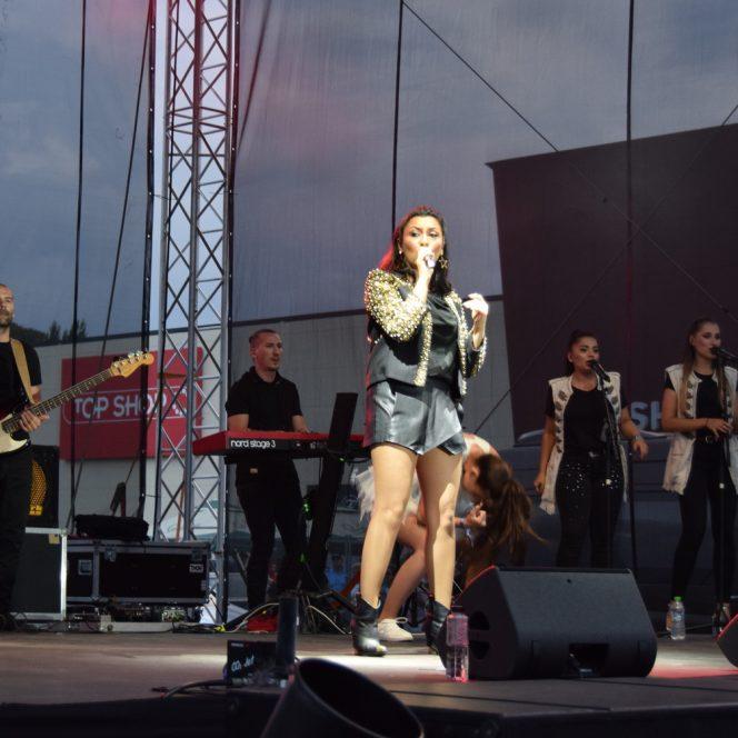 Primăria din Piatra Neamț a spart bugetul local pentru concertul Andrei. Sursa foto: ziarpiatraneamt.ro