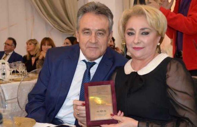 Viorica Dăncilă, alături de soțul său. Cei doi câștigă sume impresionante de bani. Sursa foto: kanald.ro