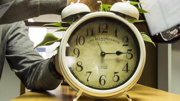Duminică, 27 octombrie, dăm ceasul cu o oră înapoi. Sursa foto: romaniatv.ro