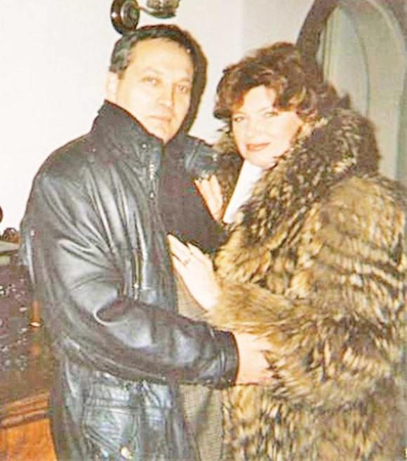 Cezara Dafinescu alături de fostul soț, care și-a pierdut viața într-una ccident de motocicletă. Sursa foto: click.ro