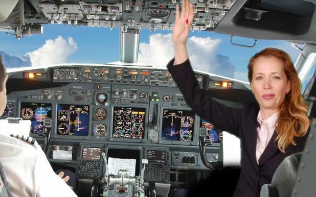 Mădălina Mezei are o experiență de 22 de ani în aviație. Sursa foto: Facebook