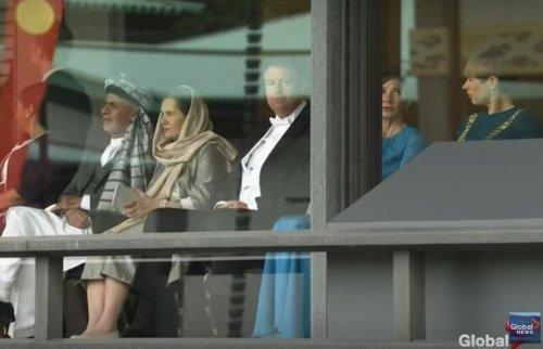 Cum s-a îmbrăcat Carmen Iohannis la întronarea lui Naruhito, împăratul Japoniei Klaus și Carmen Iohannis