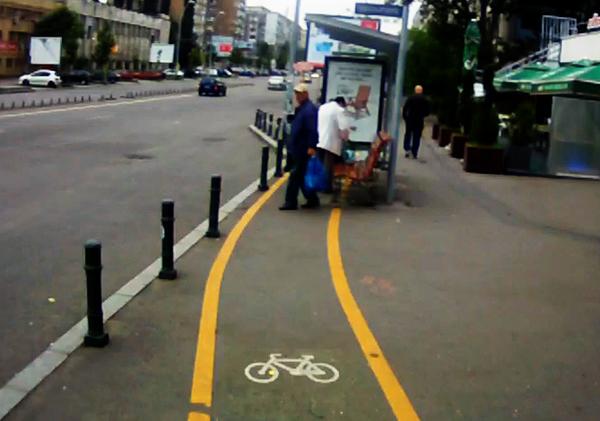 În București există foarte puține piste pentru biciclete. Sursa foto: optar.ro