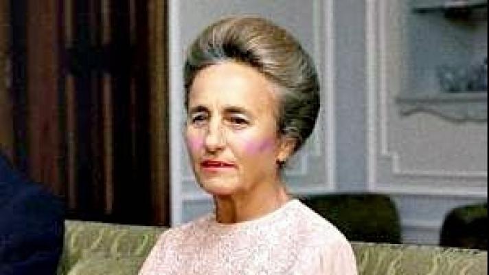 Detaliul socant descoperit dupa deshumarea Elenei Ceausescu! Ce avea in GURA! Nu le-a venit sa creada cand au gasit asta...