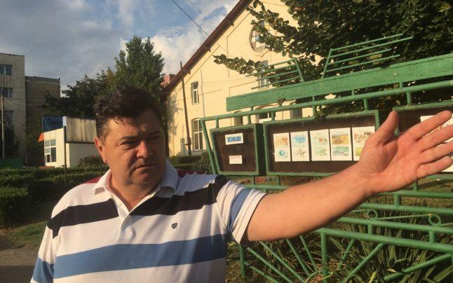 Directorul liceului din Calafat a fost surprins beat în curtea unității școlare