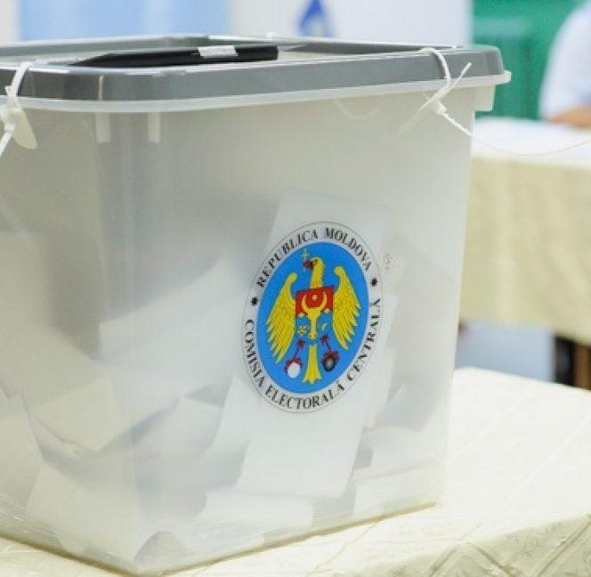 Duminică au loc alegeri locale în Republica Moldova