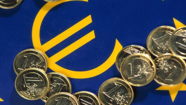 La ce valoare a ajuns euro