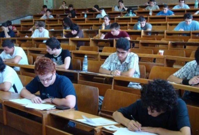 Examenul de rezidențiat s-a amânat pentru luna decembrie. Sursa foto: digi24.ro