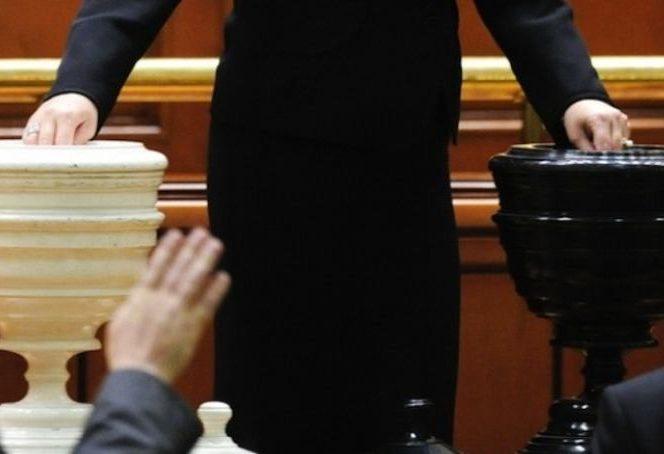 Gvernul Dăncilă al 4-lea executiv care pică prin moțiune de cenzură