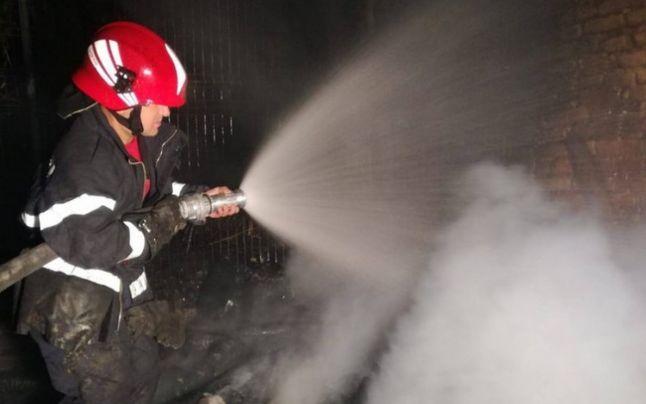 Incendiu violent la periferia orașului Geoagiu! Incendiu