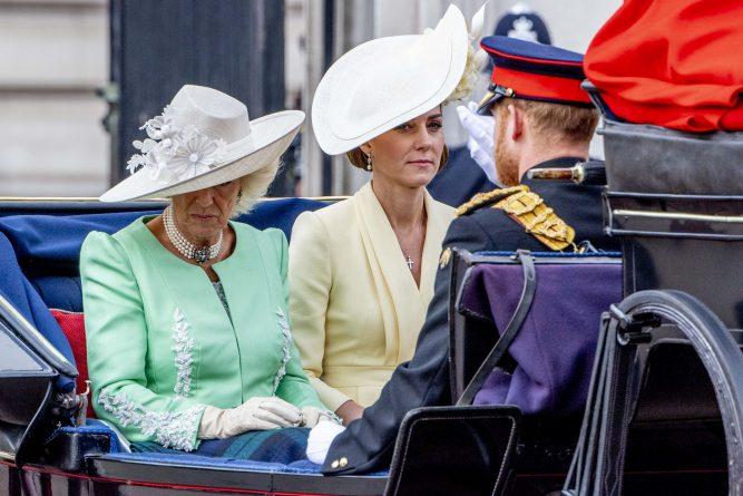 Kate Middleton are aceeași problemă de sănătate ca Regina