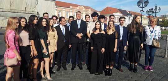 Klaus Iohannis, la terasă cu liderii PNL și primarul Timișoarei, Nicolae Robu! Iohannis