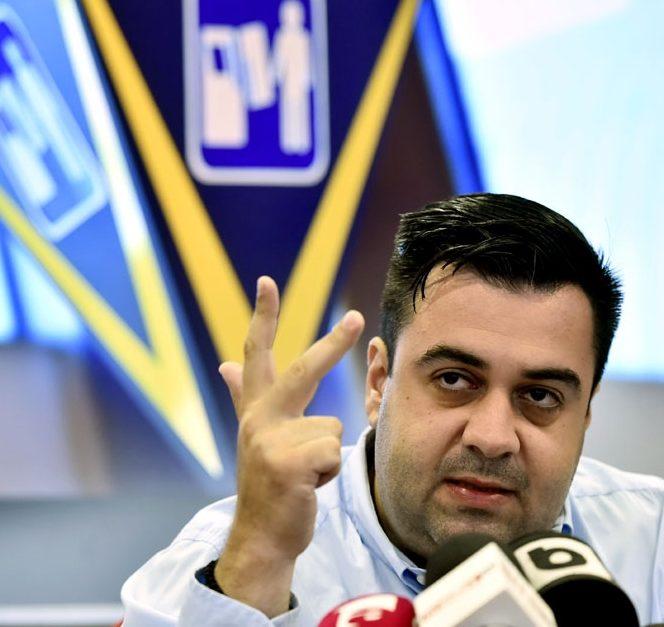 Răzvan Cuc îl taxează pe Victor Ponta. Sursa foto: tvr.ro