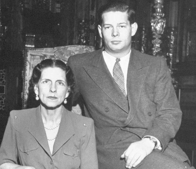 Regina-mamă Elena, reînhumată alături de fiul ei, regele Mihai I, la Curtea de Argeş. Regina