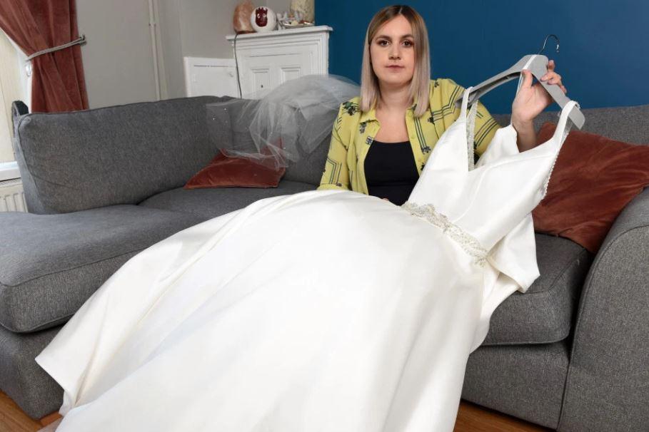 Femeia a rămas cu o datorie de 10.000 de euro