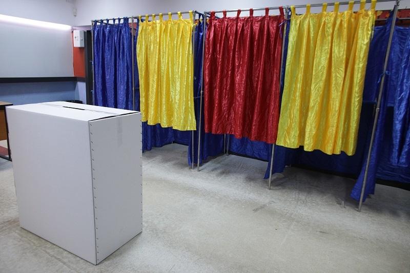 Alegerile prezidențiale vor avea loc în luna octombrie