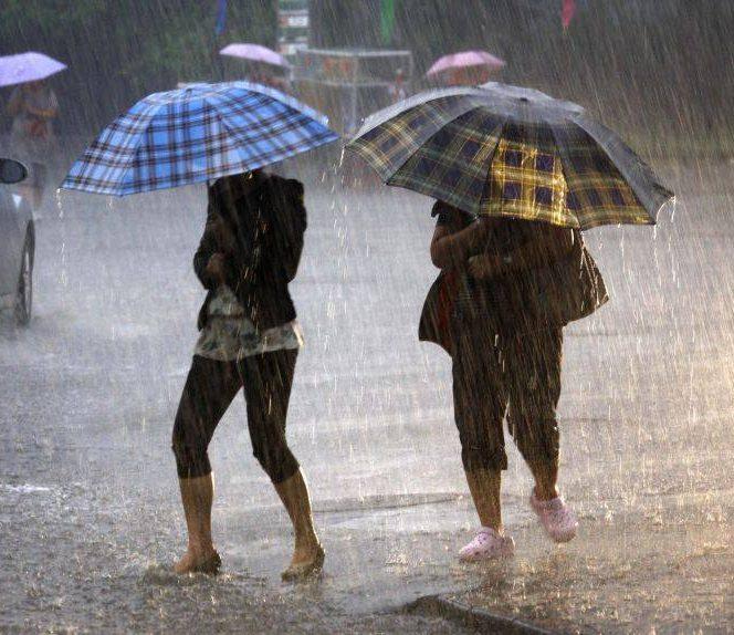 Ploile continuă și în acest weekend. Sursa foto: stirileprotv.ro