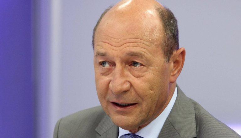 Basescu, anunt SOC despre Dinca! Teoria care arunca TOTUL in AER