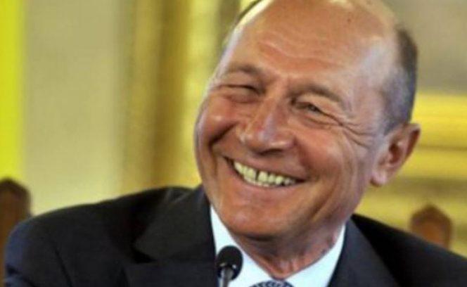Traian Băsescu se propune în glumă pentru postul de premier. Sursa foto: digi24.ro