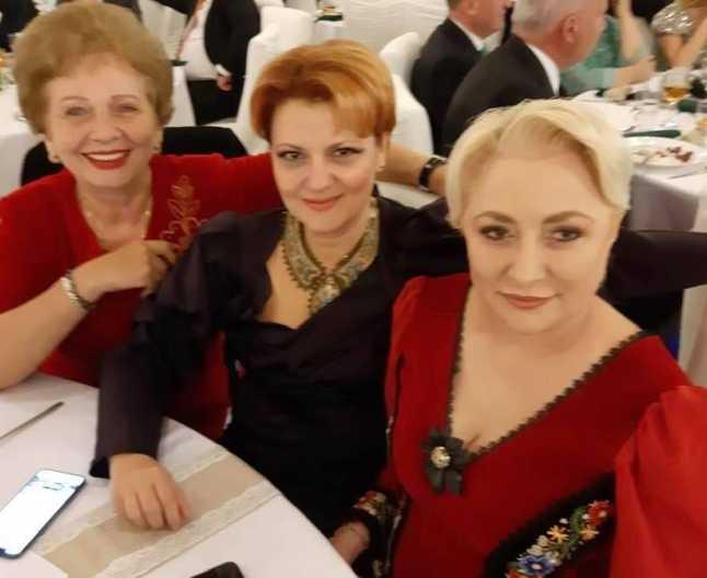 Viorica Dăncilă, ţinută inedită la o nuntă. Dăncilă