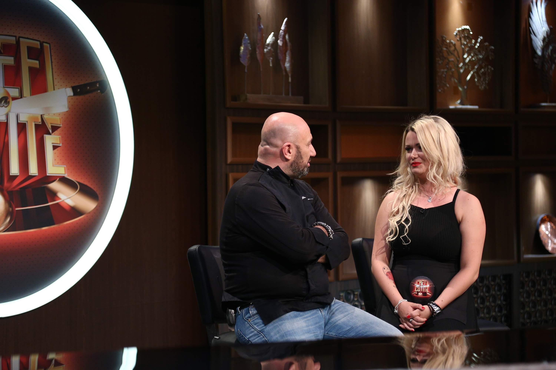 Cătălin Scărlătescu, fermecat de o blondă voluptoasă la Chefi la cuțite