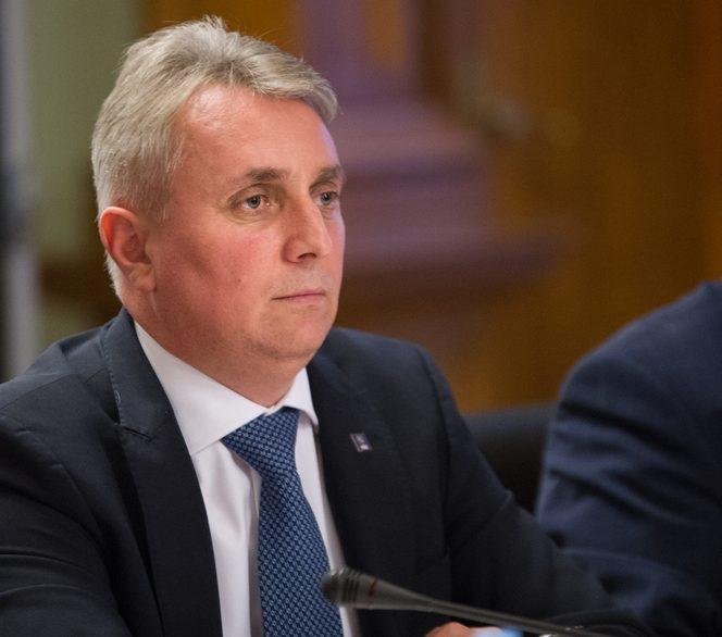Ministrul Transporturilor, Lucian Bode, a anunțat că va deschide lotul 3 al autostrăzii Lugoj Deva până la sfârșitul anului 2019 *