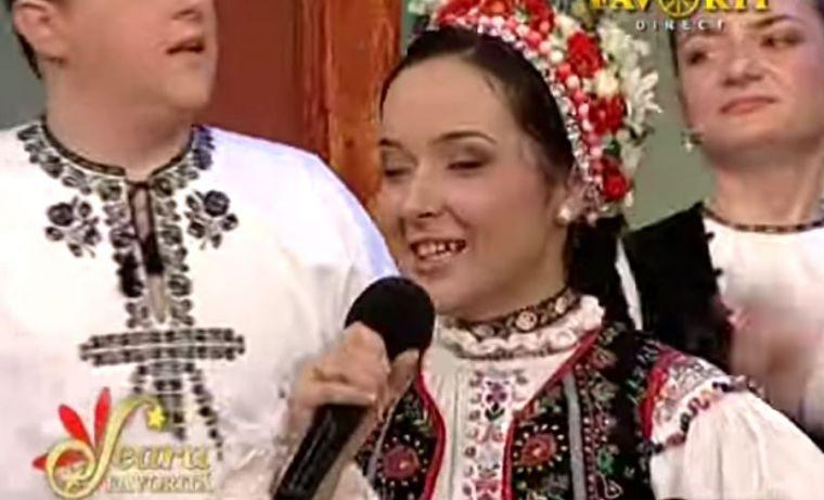 Vlăduța Lupău, de nerecunoscut. Așa arăta la 20 de ani. Sursa foto: captură Favorit TV