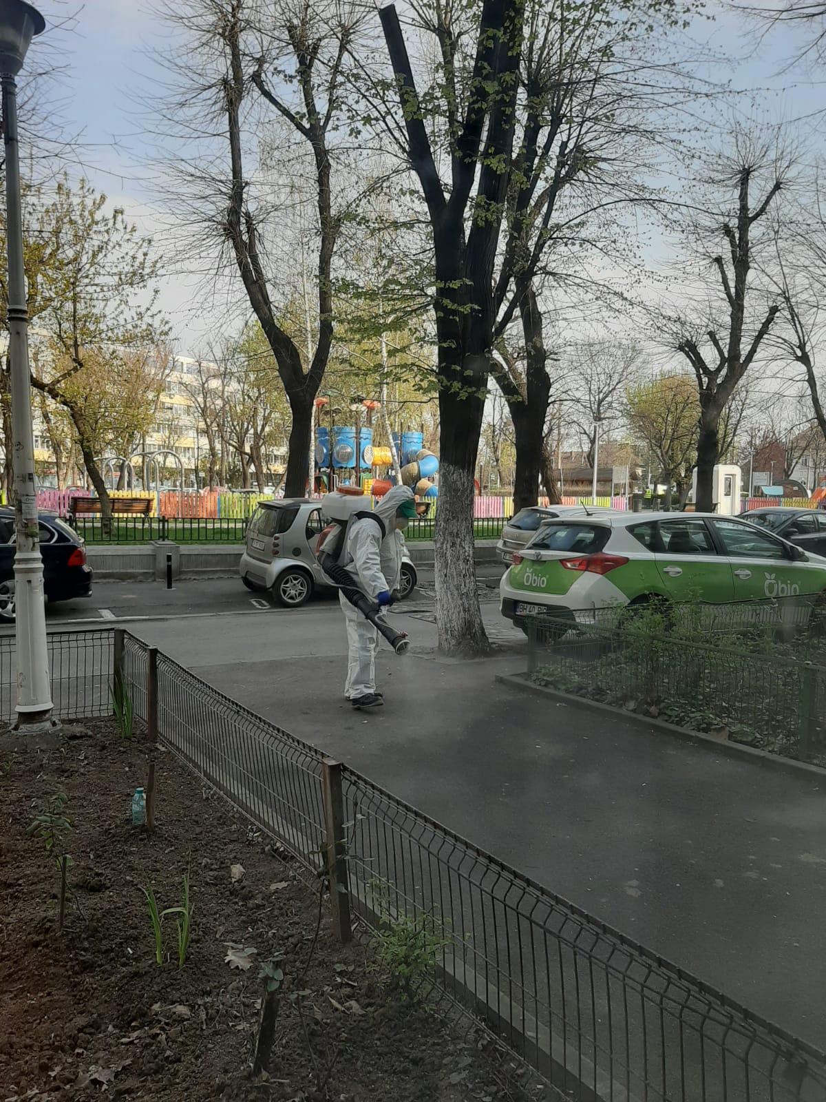 """Sectorul 2: dezinfectare străzilor și clădirilor din zona Parcul """"Titus Ozon"""" - Gara Obor. - Baicului. Sursa foto: arhiva personală"""