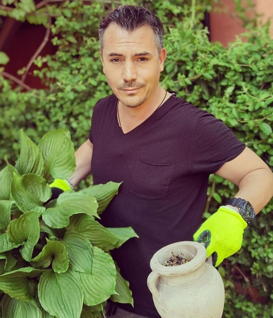 Răzvan Fodor, grădinărit, izolare